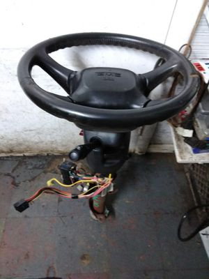 2000 GMC Yukon steering column for Sale in Garfield Heights, OH