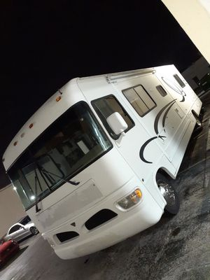 RV Motorhome 34' Ford V10 2003 for Sale in SUNNY ISL BCH, FL