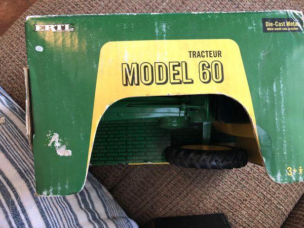 John Deere Tractuer Model 60