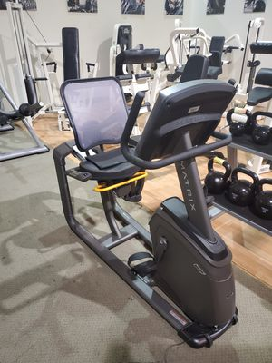 Matrix R30 with XR console recumbent bike for Sale in Pompano Beach, FL