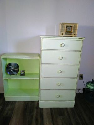 Dresser and Shelf for Sale in Riverside, CA