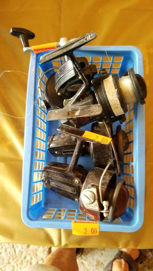 4 Spinning fishing reels. for Sale in Seven Hills, OH