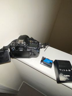 Canon 60d EOS Comes With 35-85mm Kit Lens for Sale in Charlotte,  NC