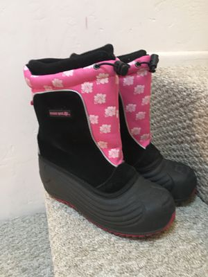 Snow boots, Girls Size 4 for Sale in San Diego, CA