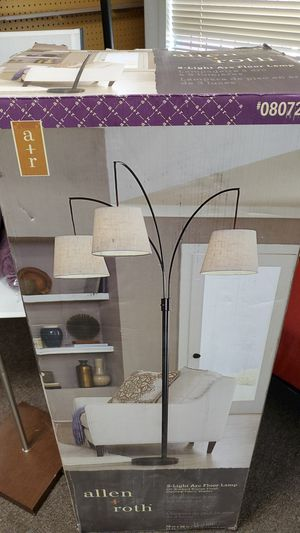 Floor lamp new in box 70.00 for Sale in Bakersfield, CA