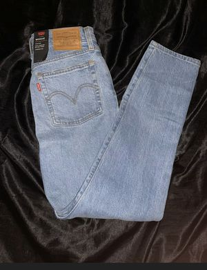 Levi's Wedgie NWT Size 25 for Sale in Hayward, CA