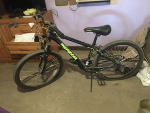 Mongoose mountain bike for Sale in Madera, CA