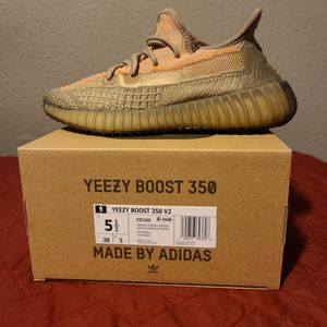Yeezy- Sand Taupe for Sale in Anaheim, CA