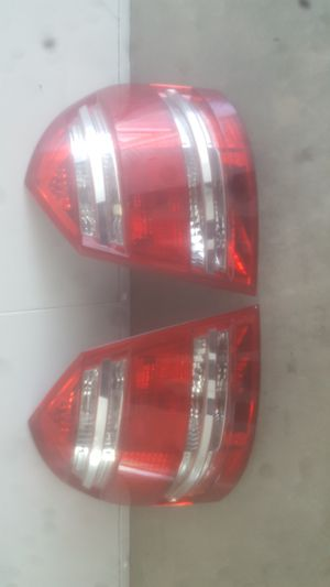 Mercedes GL450 tail lights oem $100 each fits year 2007-2009. In excellent condition. for Sale in Carson, CA