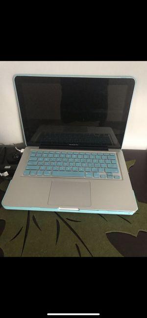Mac book pro 2012 13 inches for Sale in Miami, FL