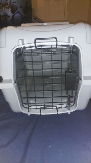 Small dog kennel basically brand-new only used once for Sale in Valley Brook, OK