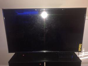 Vizio v-60 inch 4K smart tv new for Sale in Lauderdale Lakes, FL