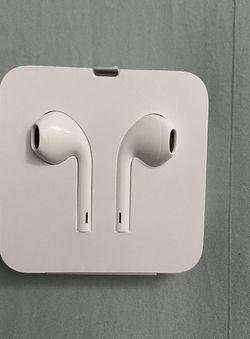 New Wired Apple Lightning EarPods for Sale in Santa Clara,  CA