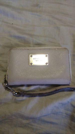 MK gray wallet wristlet for Sale in Honolulu, HI