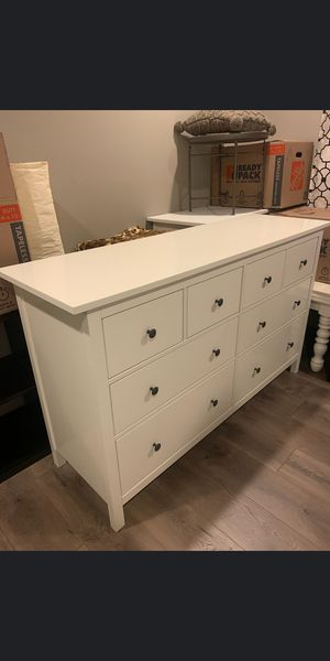 Drawer dresser like new for Sale in Vancouver, WA