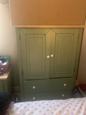 Free Kids bedroom furniture (mattress not included) for Sale in Nashua, NH