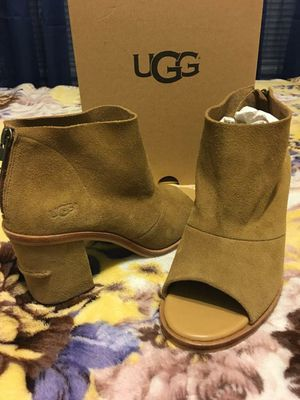 New Authentic Women's UGG Size 8 🎅🎄🎁 for Sale in Lakewood, CA