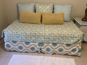 Custom cover twin day bed for Sale in FL, US