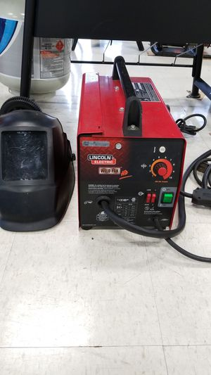 Lincoln Electric Flux Core Wire Feed Welder (775548-1) for Sale in Tacoma, WA