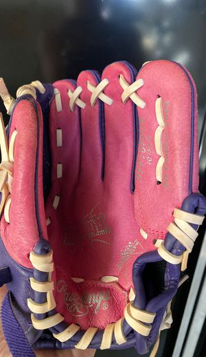 "Girls' 10"" softball glove for Sale in Gilbert, AZ"