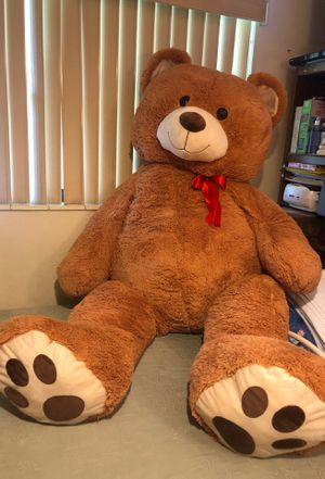 Giant 6 ft teddy bear for Sale in Homestead, FL