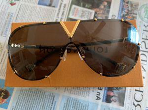 Fashion sunglasses unisex for Sale in Elizabethtown, PA