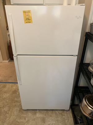 2016 Whirlpool Refrigerator for Sale in Livonia, MI