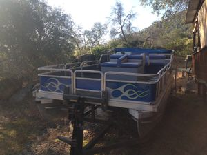 1988 Tracker pontoon boat for Sale in Corcoran, CA
