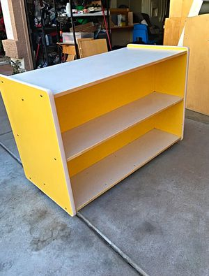 Double Sided Classroom Book Shelf on Casters for Sale in Glendale, AZ