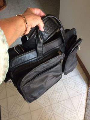 Black leather laptop bag with shoulder strap for Sale in Bellefontaine, OH