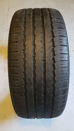 Hankook in good condition one tire 235 45 18 good tread for Sale in New Port Richey, FL
