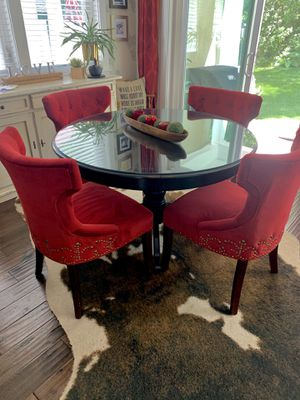 Dining room Table and 4 Chairs for Sale in Traverse City, MI