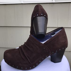 Dansko Nori Kid Suede Chocolate Boot Size 40 for Sale in Cheshire, CT
