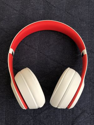 Beats Solo 3 wireless headphones for Sale in SeaTac, WA