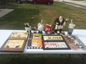 Lot of chef statuettes, signs, and tray. Kitchen decorations for Sale in Cocoa, FL