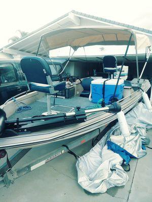 84bayliner bass boat for Sale in Menifee, CA