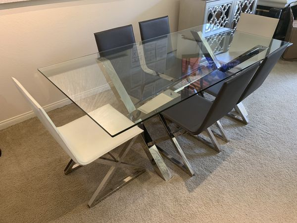 ZGallerie dining room set paid 2k for offering up for $650
