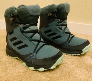 Adidas Terrex snow boots - Kids 12 1/2 for Sale in Puyallup, WA