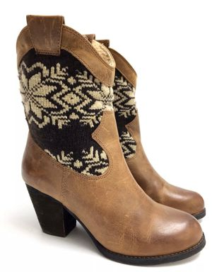 Gianni Bini Leather boots (8) for Sale in Las Vegas, NV