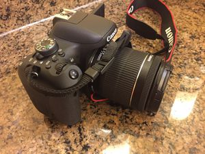 NEW Canon T6i w/ 18-55mm Lens for Sale in Houston, TX