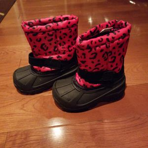Girls Size 6 Snow Boots for Sale in City of Industry, CA