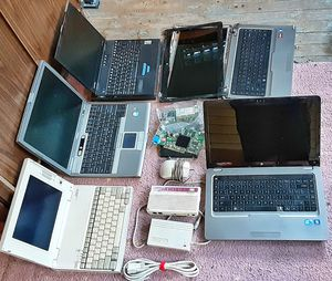 Lot of personal laptop computers and misc. Dell and Compaq HP Hewlett Packard computers for Sale in Saginaw, MI
