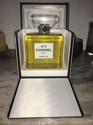 Extremely rare chanel no 5 parfum with original display case for Sale in Los Angeles, CA
