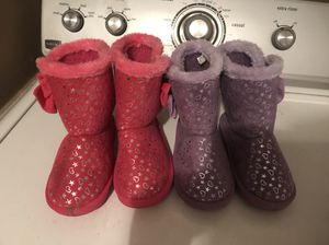 Little girl size 10 boots each for Sale in Ridgeland, MS