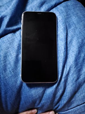 iPhone xr for Sale in BAYVIEW GARDE, IL
