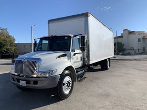 2006 International diesel 26 foot box truck only 20,000 original miles runs excellent for Sale in El Monte, CA