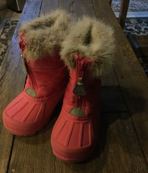 Little girls snow boots size 9 for Sale in Murrieta, CA