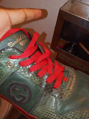 Gucci shoes sz 8 and half for Sale in Phoenix, AZ