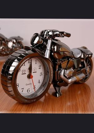 Custom-Made Motorcycle Analog Clock SILVER for Sale in Chicago, IL