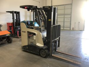 2013 Crown Electric Forklift 1900 hours for Sale in Phoenix, AZ